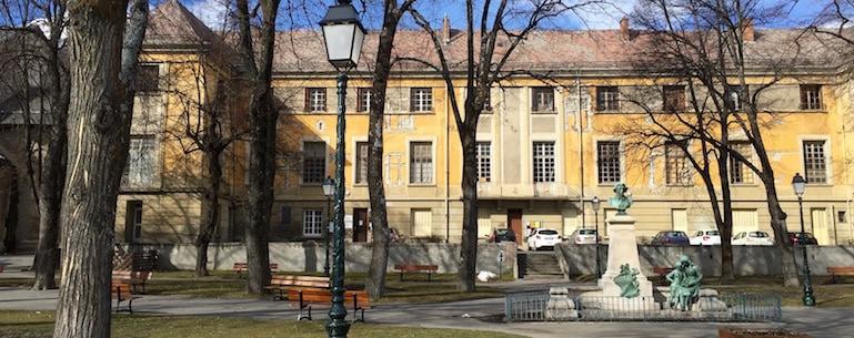 Monument Historique Palais Archiepiscopal Embrun - Jedefiscalise.com - 9.jpg