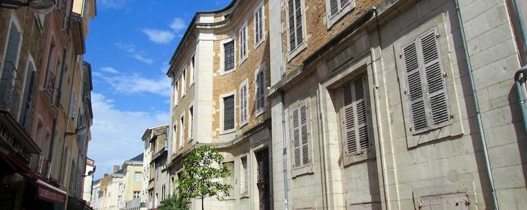 Monument Historique - Macon - Charité Soufflot - Jedefiscalise.com