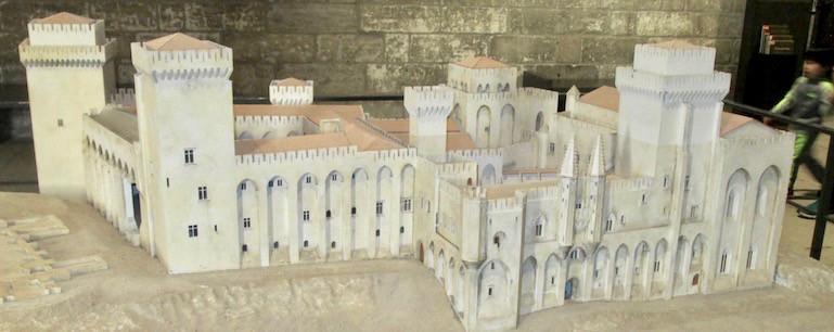 Loi Malraux - Avignon - Cour des Doms - jedefiscalise.com - 8