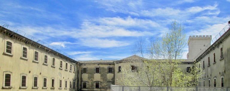 Programme Malraux - Avignon - Cour des Doms - jedefiscalise.com - 8